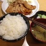 まほろば - 豚生姜焼き定食大盛り、750円(大盛り、特盛りに増量無料)