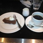 Shefuzutaburuaruandodhi - ランチのデザート&コーヒー             重すぎずちょうどいい。             美味しいです。