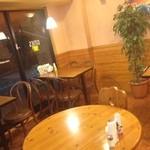 ピザシティーズ - テーブルは5席です。(予約可)