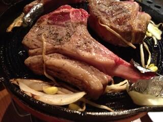 club小羊 恵比寿店 - ラムチョップをジュージュー焼きます