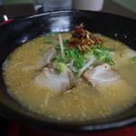 めん処まんぷく - 焼豚ラーメン、アップ写真
