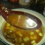新とんこつ大学 - 辛辛濃厚魚介とんこつつけ麺のつけ汁