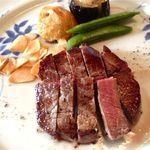 20498787 - ヒレ120gのステーキをミディアムレアでいただきました!