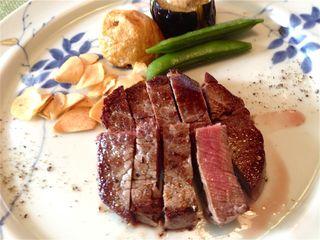 ステーキレストランそうま - ヒレ120gのステーキをミディアムレアでいただきました!
