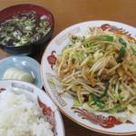 八宝亭 - ピリ辛野菜炒め定食 750円