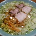 丸信ラーメン - 醬油らーめん(\550)二段スープの上の層!(提供時)