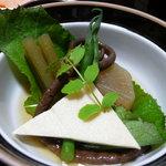 東海林 - みずと高野豆腐、大根の炊き合わせ