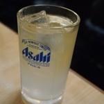 天満酒蔵 - 「天満酒蔵ハイボール」はレモンチューハイにウィスキーが入っている