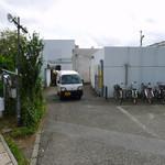 20512270 - 海老名SA下り線の一般道からの入口