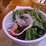霜降りハンバーグとステーキの店 鉄重 - セットのサラダ