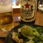 20513752 - ビールとサラダ