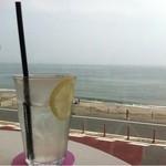 bills 七里ガ浜 - テラス席からの眺め