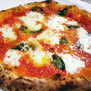 ラ・ベファーナ大人気のピッツァをテイクアウト