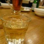 パクチーハウス東京 - パクテキ(テキーラをパクチーの根でまろやかに)