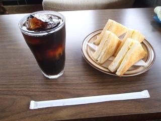 万燈 - アイスコーヒー&トースト 600円
