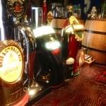 Public ARROW'S - 常時10種類の樽生クラフトビール&サイダー♪