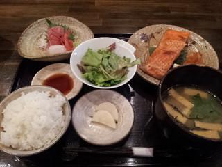 林栄門 - 2013.8)紅鮭焼き定食(1250円)