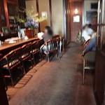 松下記念館 - 落ち着いた雰囲気の店内