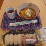 フラワーマーケットカフェ - 料理写真:「冷やしたぬきそば」 \330 と「イカ下足にぎり寿司」 \398
