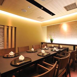 日本料理 瀬戸内 - 2階店内に個室をご用意しております