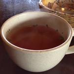 アールカフェ - キャベツやトマトなどが入ったスープ