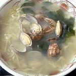 港の銀水 - あさりラーメン 750円
