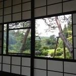 京亭 - 中庭も素敵