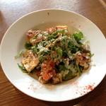 ラキュイエール - 2013年8月6日のランチの前菜「サラダ カプリチョーザ」