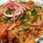 20549783 - サルシッチャと赤玉葱のスパゲティアラビアータ