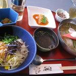 成田屋 - 冷麺定食