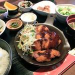 地産地消 め組 - 料理写真:日替わり定食(チキンカツ)