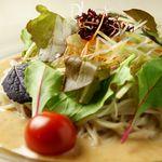 麓屋 - 料理写真:おすすめ そばサラダ