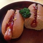 大久保珈琲 - ホットドッグ。パンが美味しい。