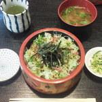 車鮨 - まぐろ丼¥800
