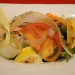 20555462 - 夏野菜のサラダ。珍しいオクラの花びらも入っています。