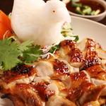 バーンチャーン - ガイヤーン(鶏肉のスパイシー焼き) 780円
