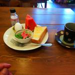 ポンポンマム - H25年8月10日のコーヒーとモーニングサービス