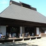 報徳庵 - オープンなお店の様子
