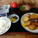 大和 - おでん定食700円