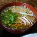 大和 - うどんは、かなりの細麺