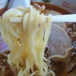 風車 - 激辛ラーメン 麺アップ(2013年8月)