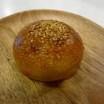 エムサイズ - ショウガいり餡パン