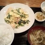 中国料理 家和 - 海老とニラの玉子炒め定食
