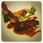 サカナザ・マエダ - 牛フィレ肉のステーキ*\(^o^)/*レアで焼いたお肉は外は香ばしく中はジューシーで絶品でした(=゚ω゚)ノ