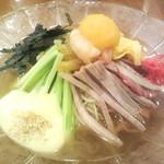 神楽坂 龍公亭 - 特製冷麺(1,400円)