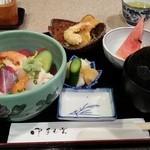 うおいち - 海鮮丼 980円
