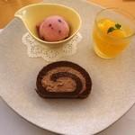 キッチン TANKO - 2013年8月 デザート盛り合わせ 350円