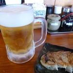 だるま家 - 2013.08 最初はビール、、餃子と一緒に♪