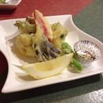 神童ろ - 鱧と野菜のの天ぷら