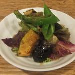 信濃月 - 季節の野菜サラダ。